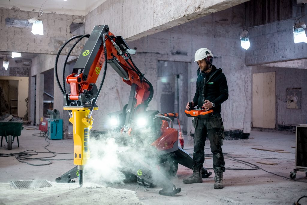 Stora Sköndal – EBAB – Rivning, håltagning, asbestsanering